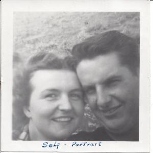 leona neal selfie 1947